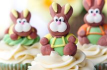 Easter cupcakes decorated with easter bunnies